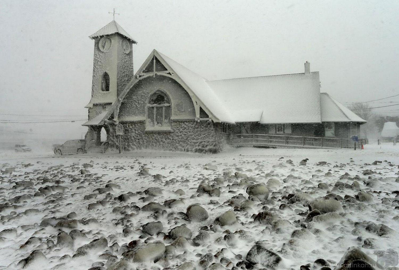 Обледеневшая баптистская церковь