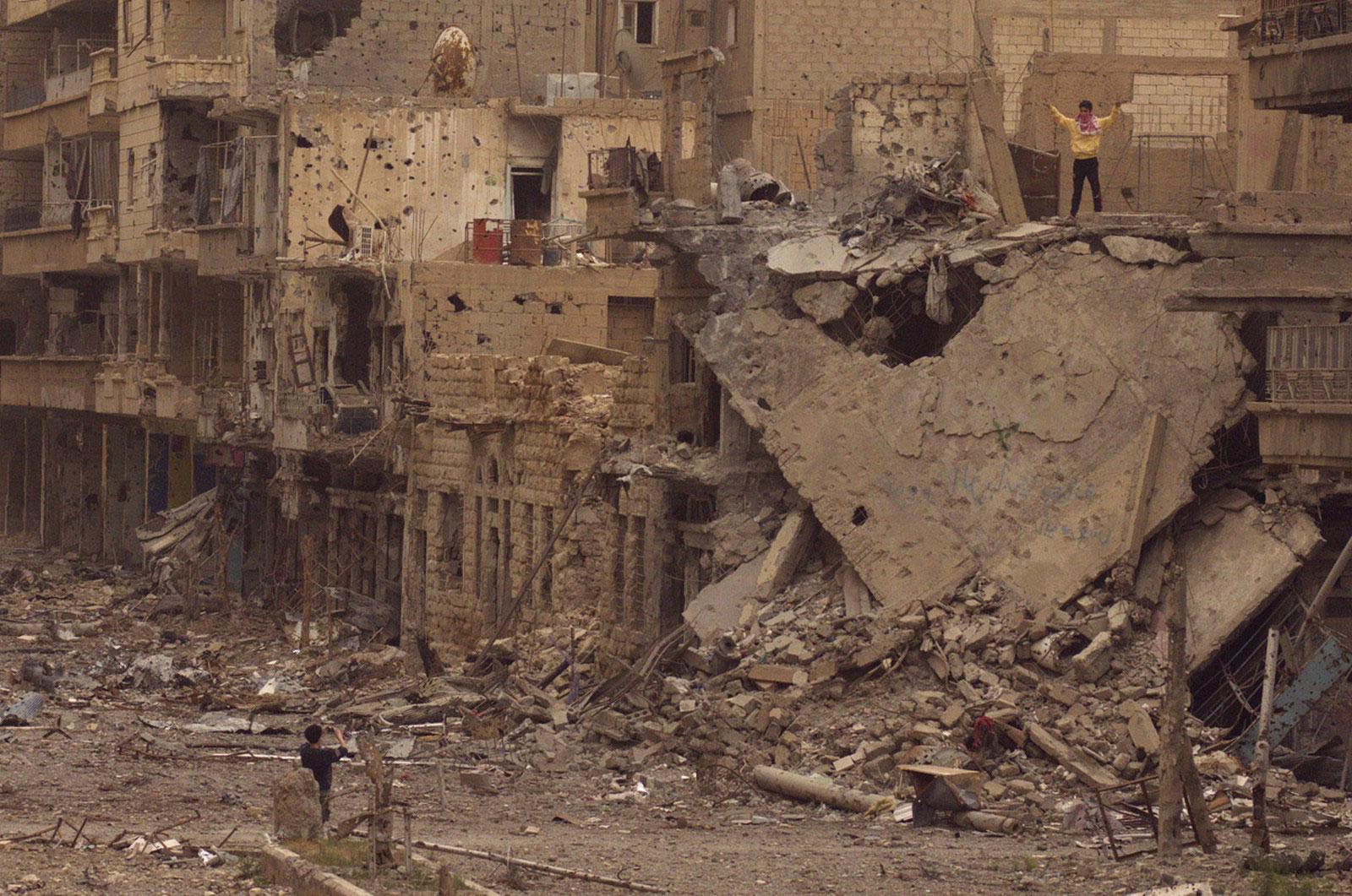 на руинах Дейр-эз-Зора, фотография