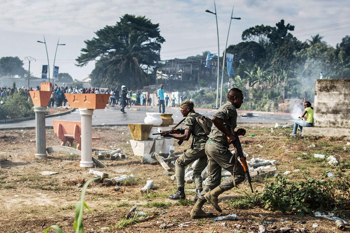 Габонские солдаты