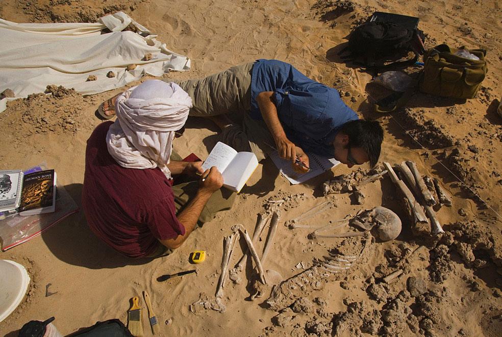 скелет женщины, которая умерла в пустыне, фото