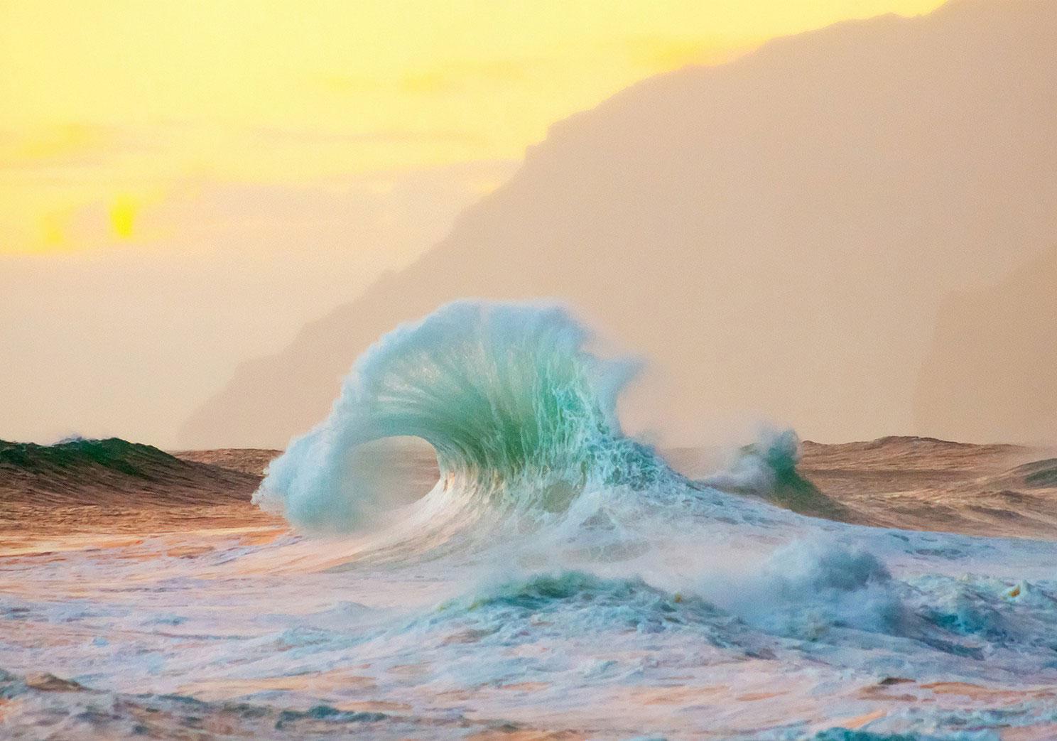 волны на островах