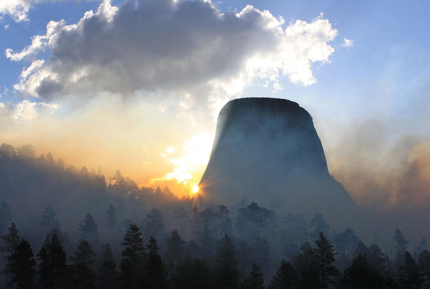 Девилз-Тауэр, Башня Дьявола