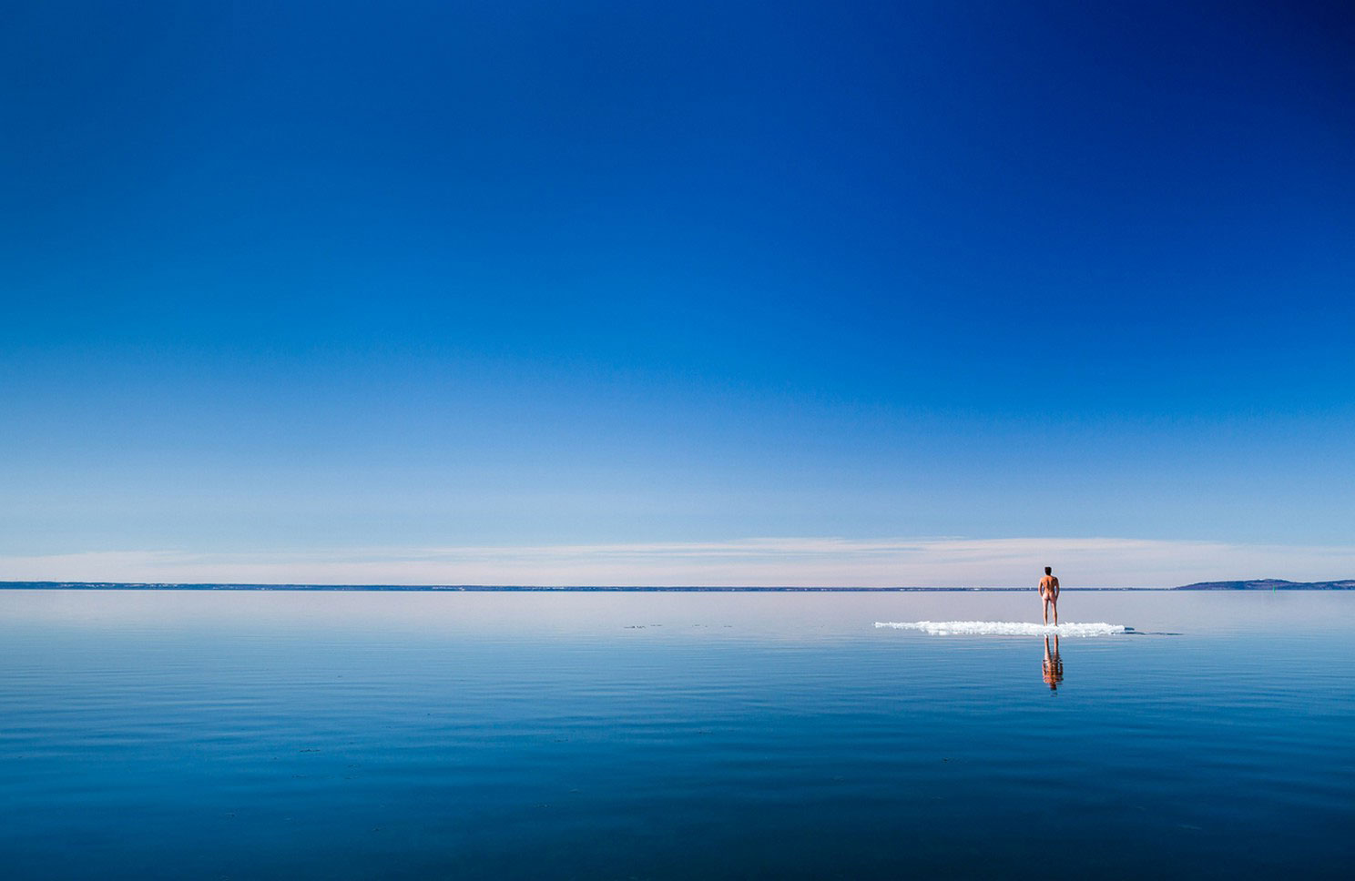 мужчина на льдине