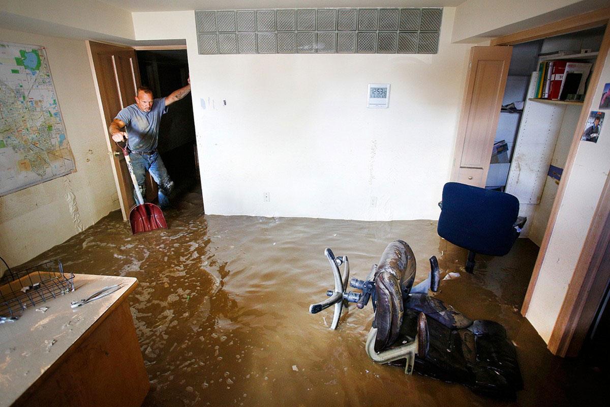 затопленный подвал дома
