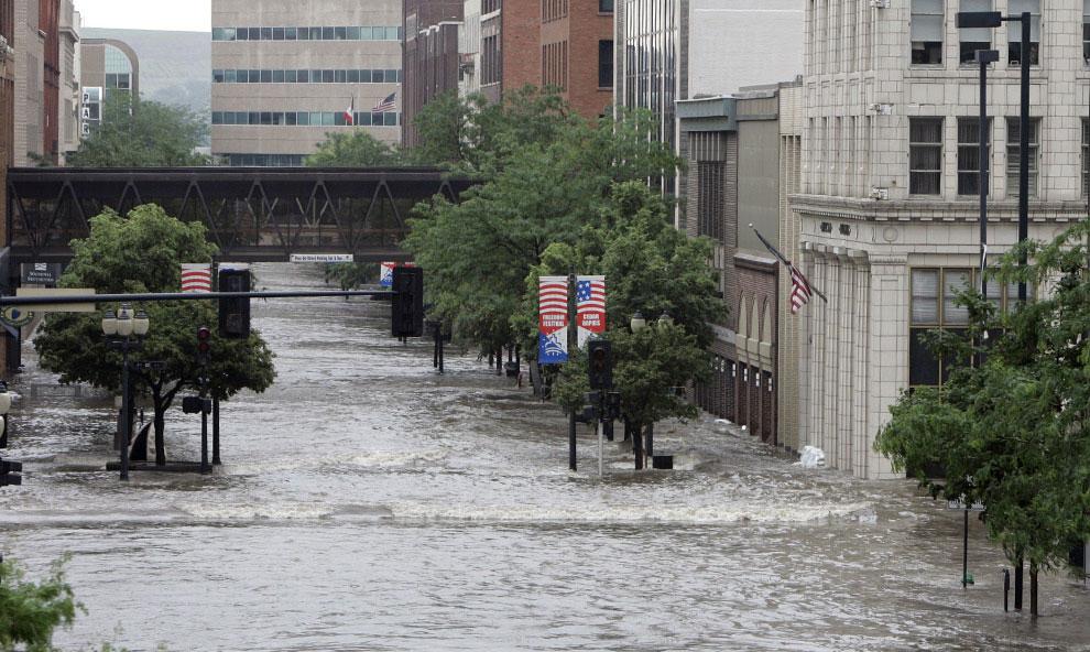 затопленные улицы штата сша