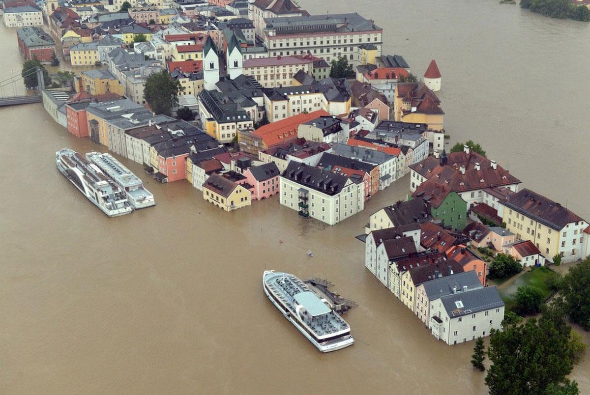 Немецкий город Пассау в воде