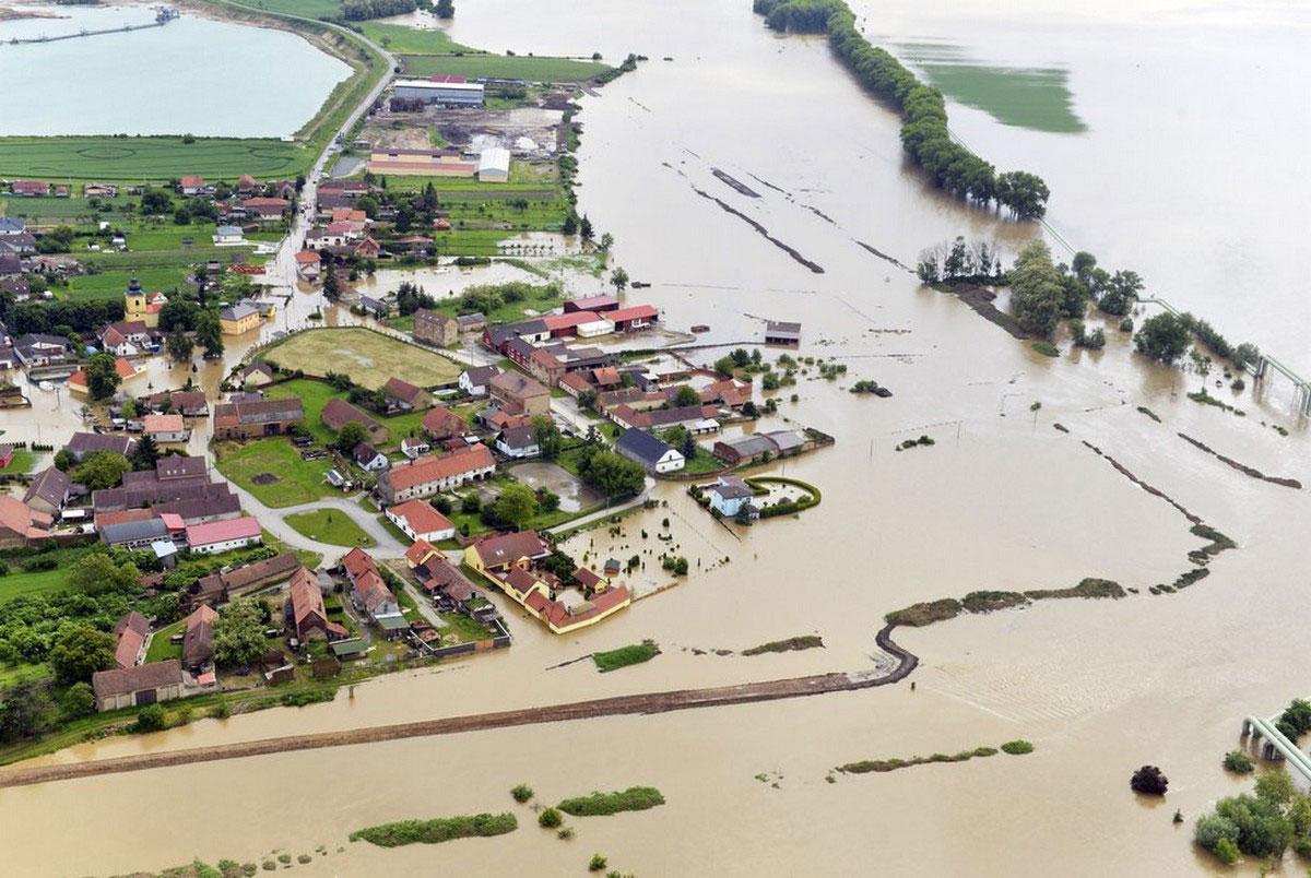 наводнение к северу от Праги