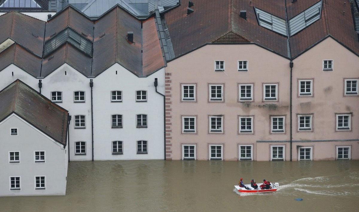 дома в большой воде
