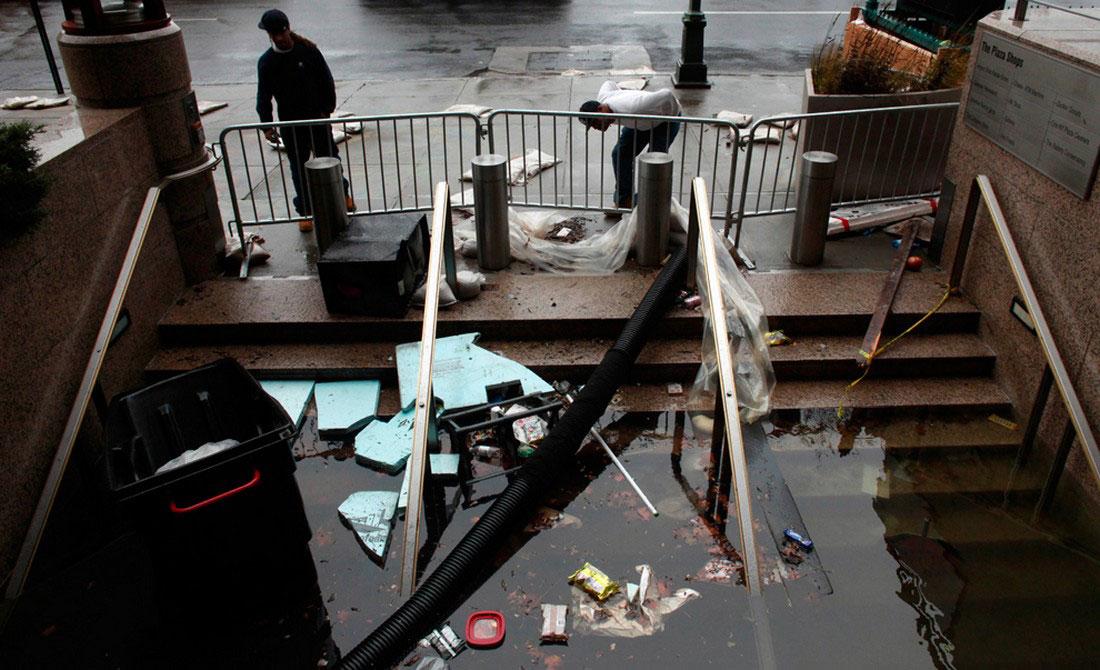 вода в магазинах, фото стихийного бедствия в Нью-Йорке