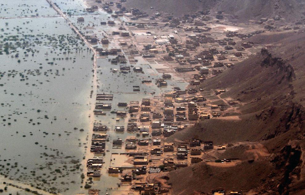 паводковые воды, Йемен, фото