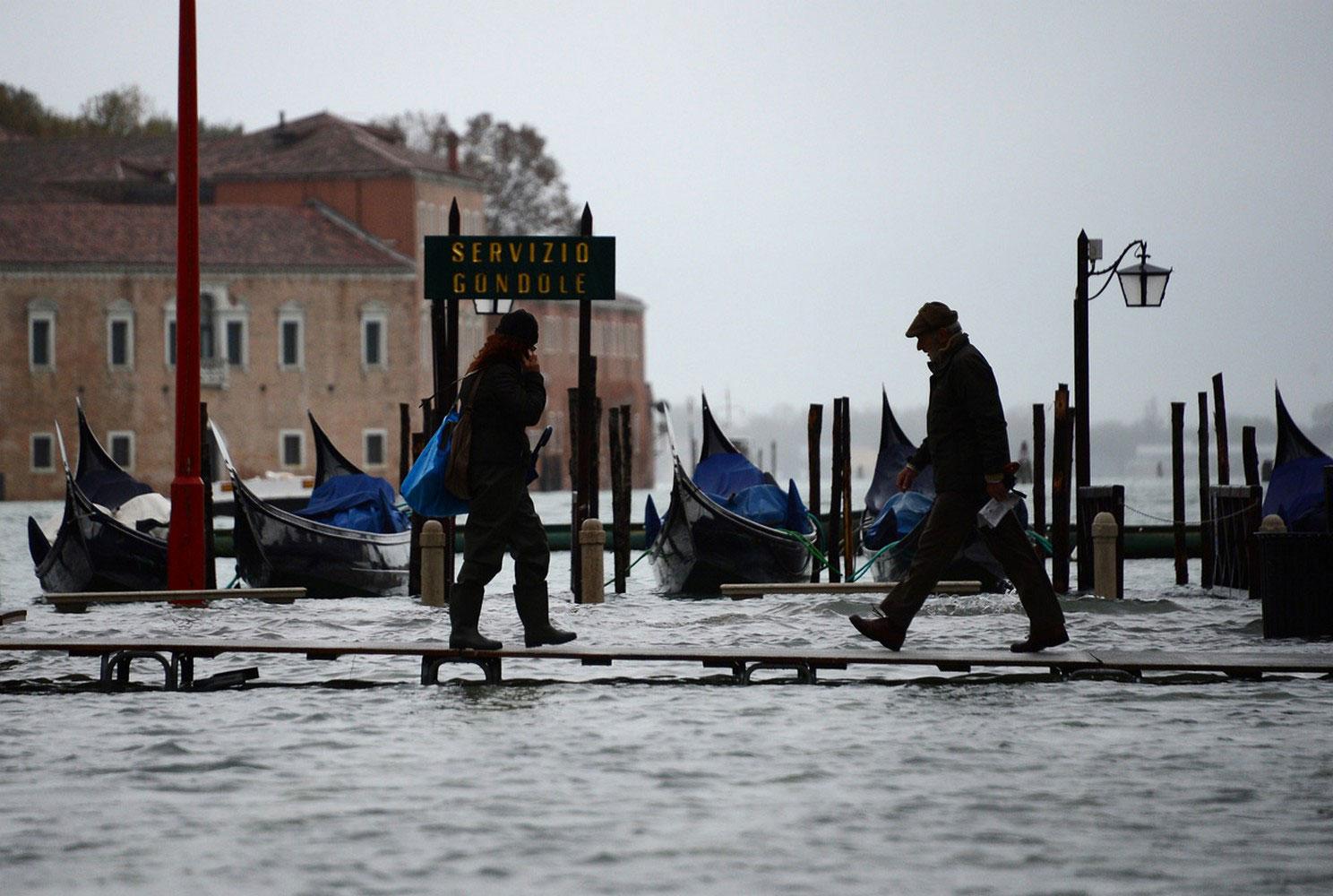 затопленная итальянская площадь