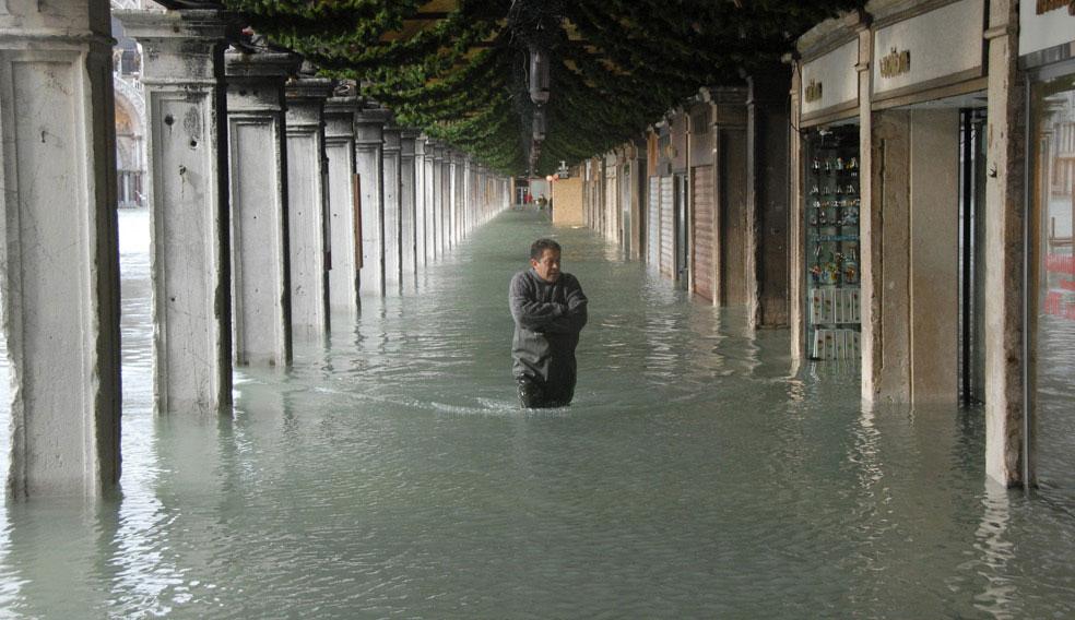 площадь Сан-Марко в паводках, Венеция, фото