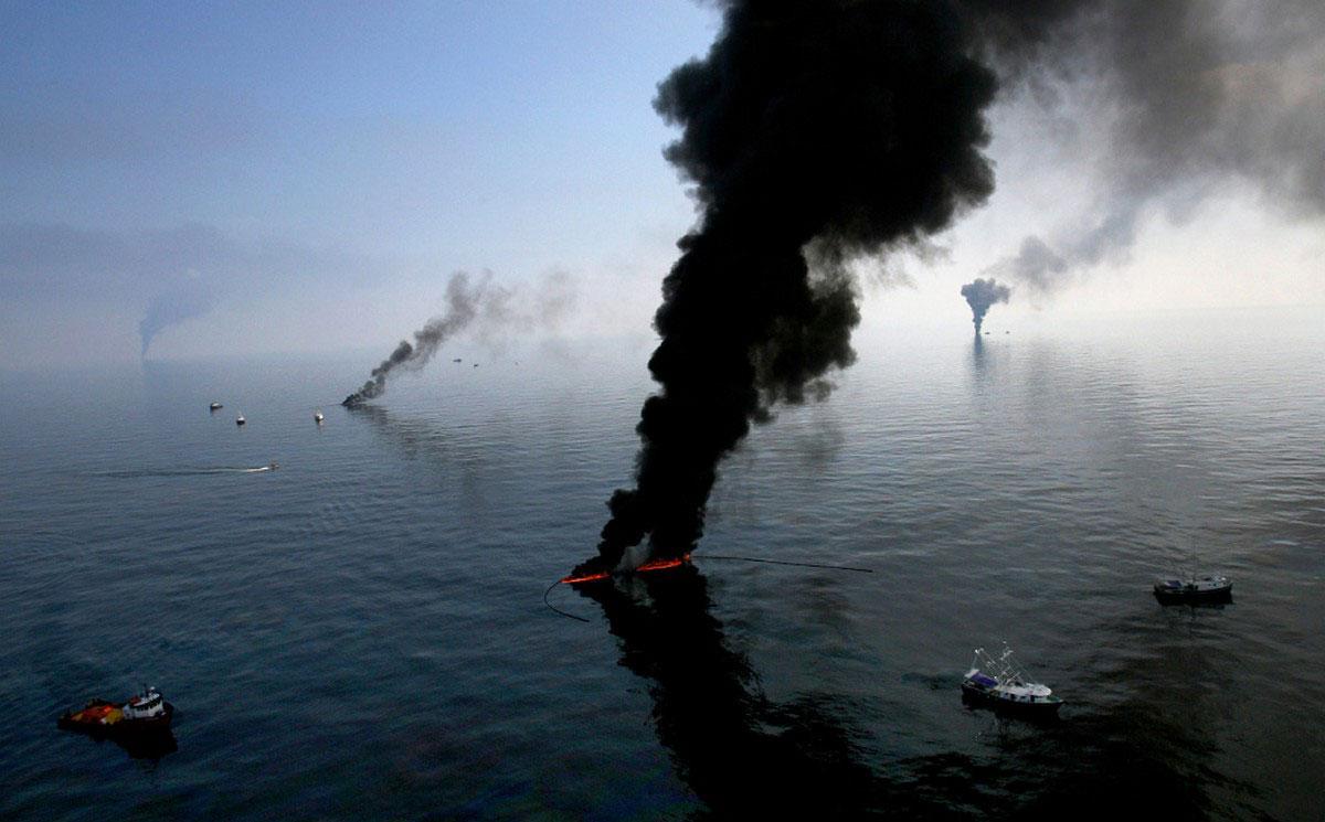сжигание нефти у побережья Луизианы