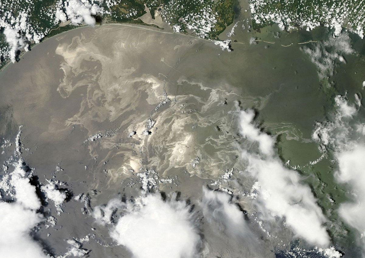 мексиканский залив со спутника