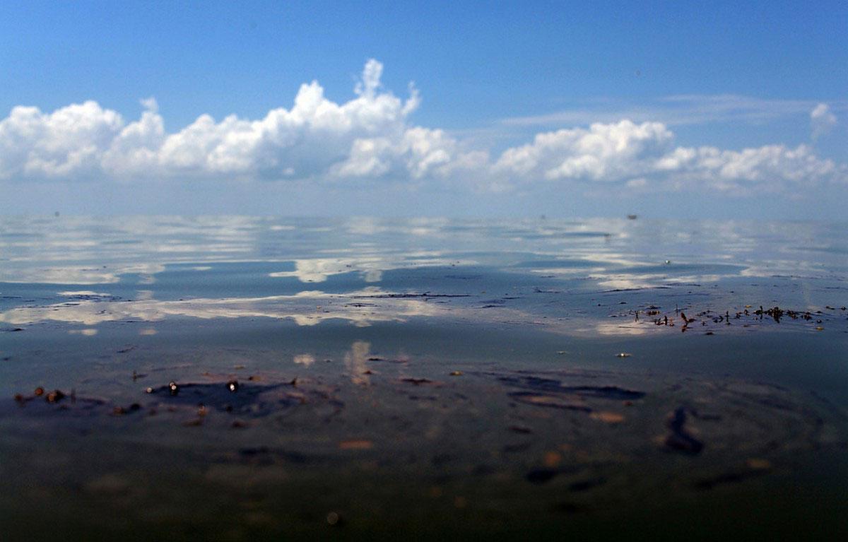 Нефть в водах Гранд Айл