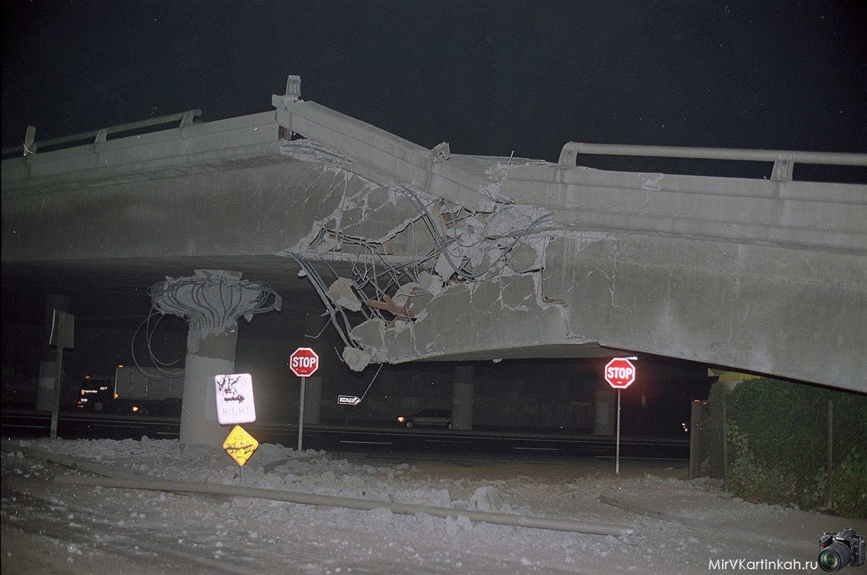 разрушенное шоссе