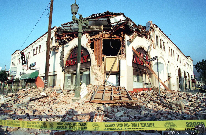 руины магазина