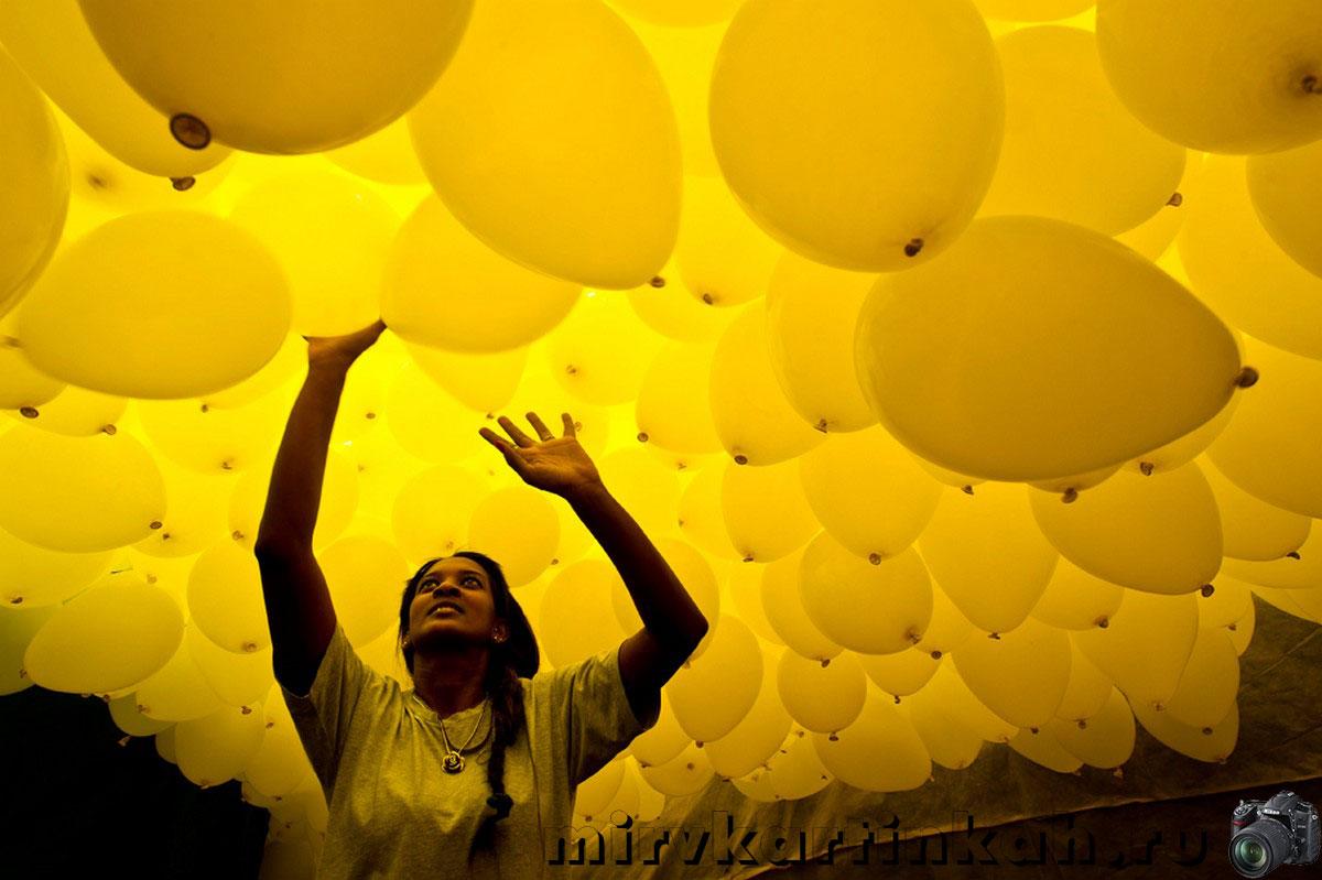 желтые воздушные шары
