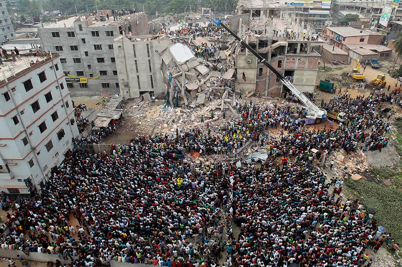 обрушение фабрики в Саваре