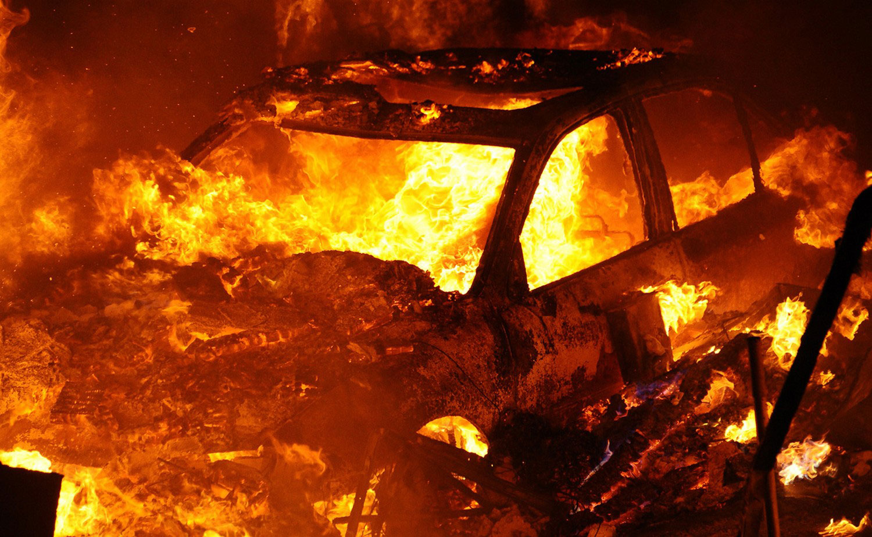 автомобиль выгоревший до тла