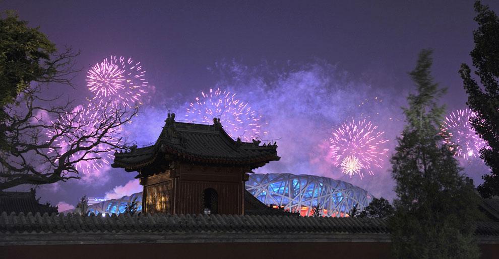 Салют в честь закрытия олимпиады, фото