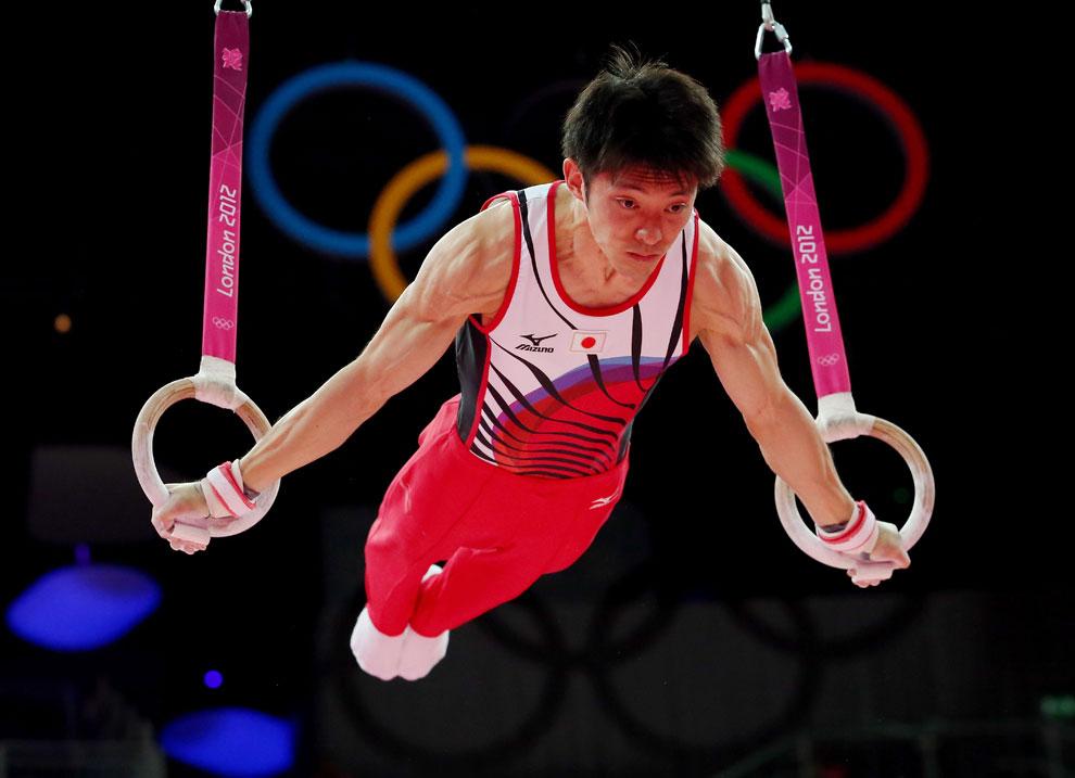 Японец на кольцах, художественная гимнастика, фото
