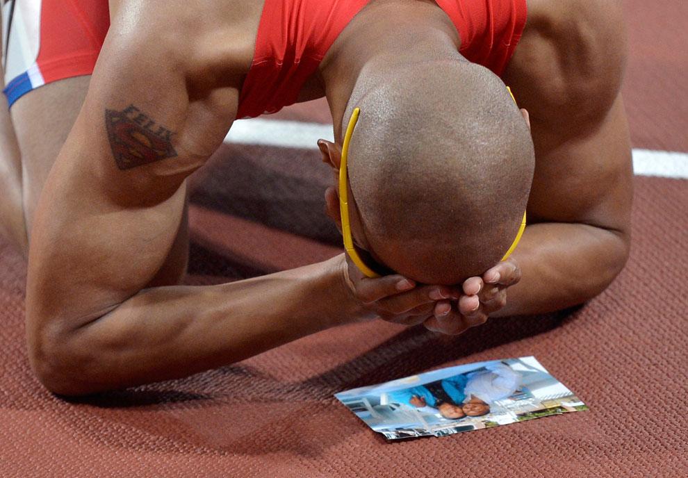 бег на 400 метров с препятствиями на олимпиаде, фото