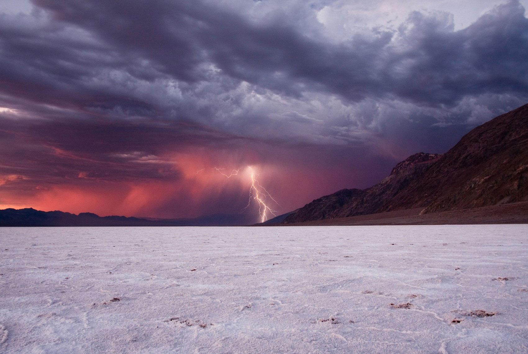 Гроза с молниями, фото