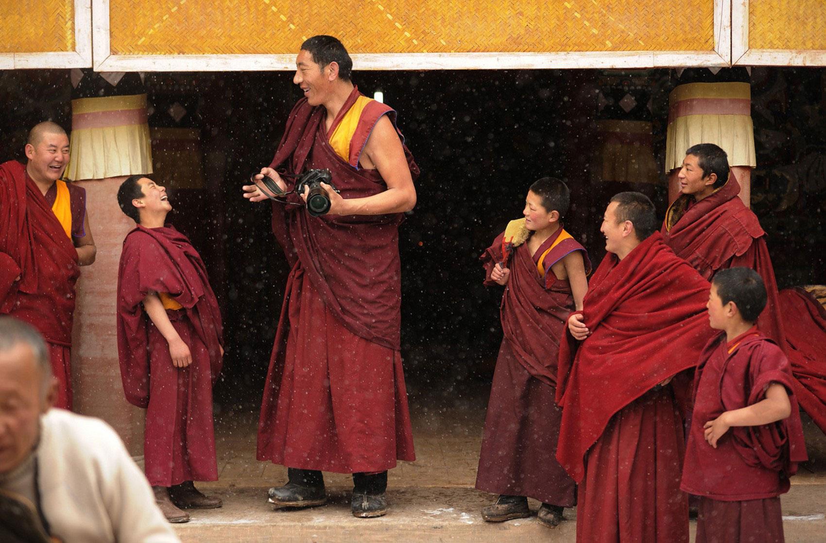 монахи, фото