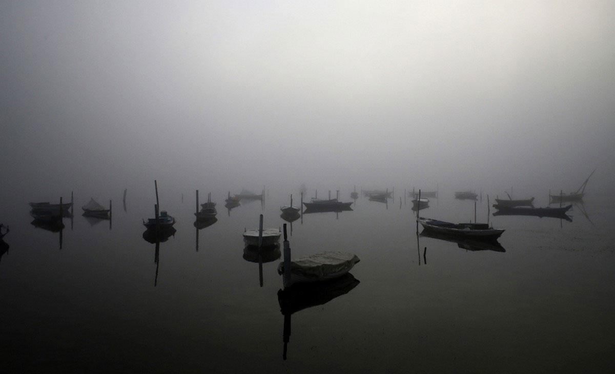 лагуна в тумане
