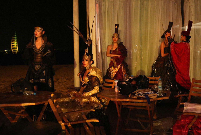 артисты в палатке