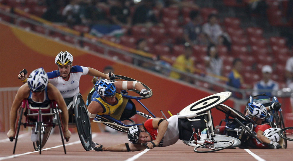 массовое падение спортсменок на паралимпиаде 2008 в Пекине, фото