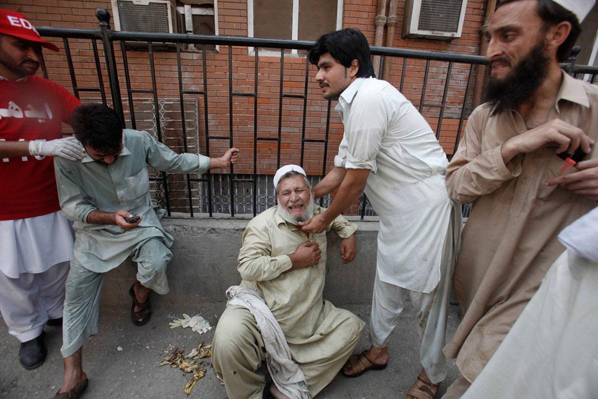 пакистанцы на месте трагедии