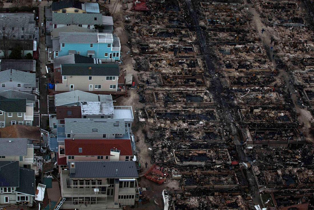 Сожженные дома в Бризи-Поинт, фото