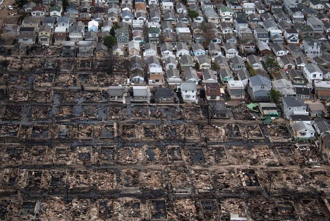 Выгоревшие до тла дома, фото