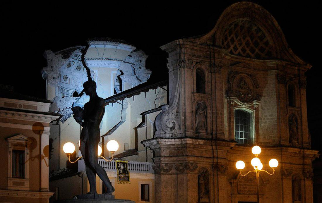 Церковь Санта-Мария-Паганика после землетрясения, фото