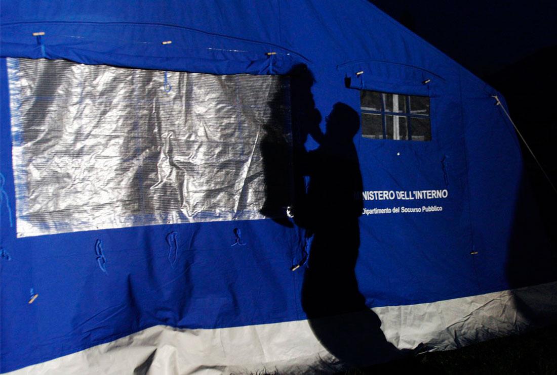в палаточном лагере, центральная Италия, фото