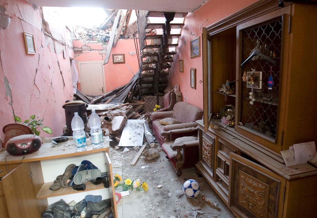 итальянский разрушенный дом, фото