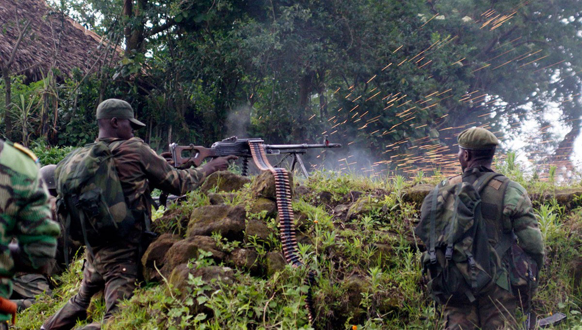 солдаты открыли огонь