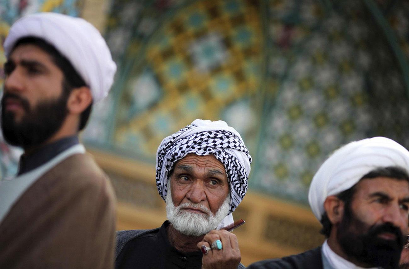 Иранский священнослужитель на митинге в Тегеране