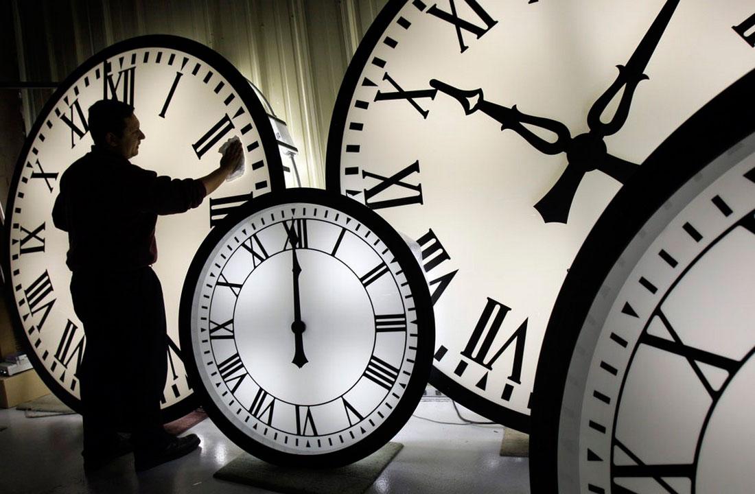 84-дюймовые Wegman часы, фото
