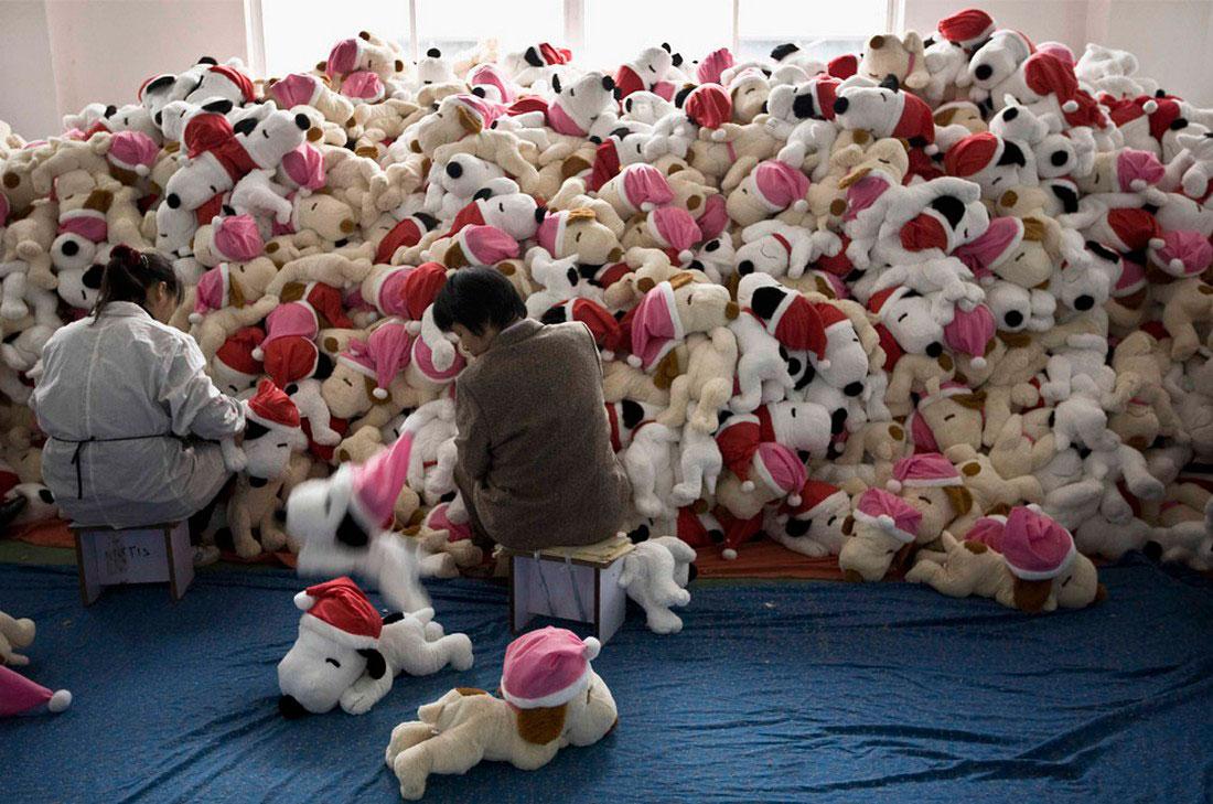 на фабрике игрушек в пригороде Шанхая, фото