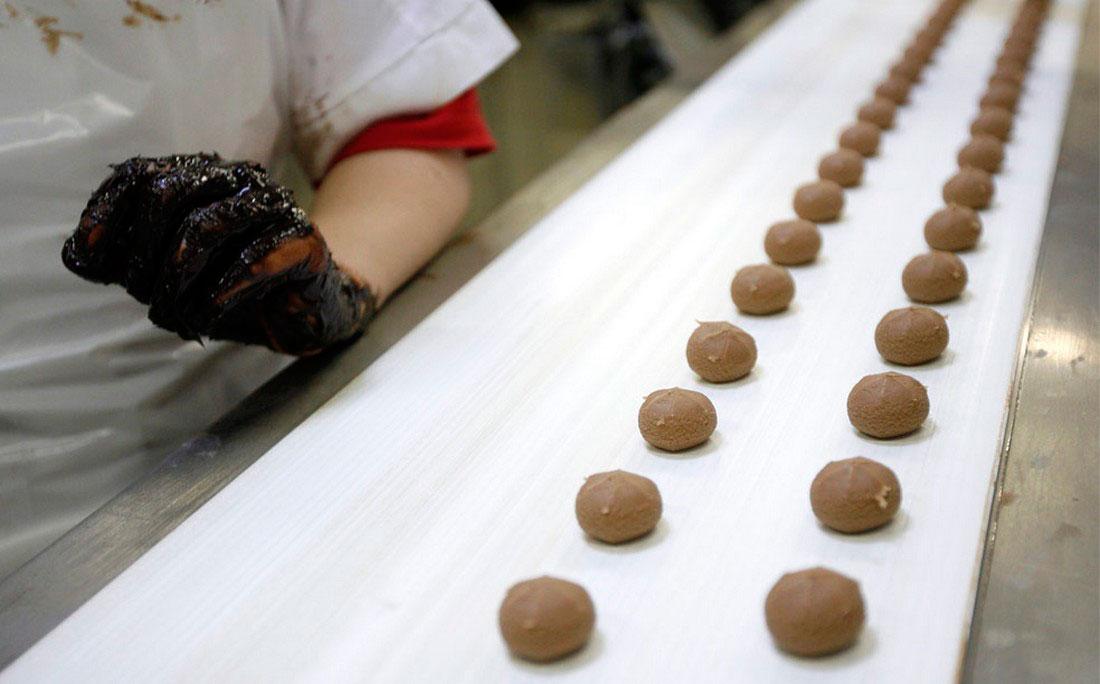 на шоколадной фабрике Halloren в городе Галле, Германия, фото