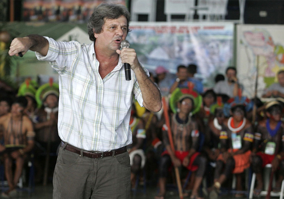 Пауло Фернандо Резенде на протесте в Бразилии