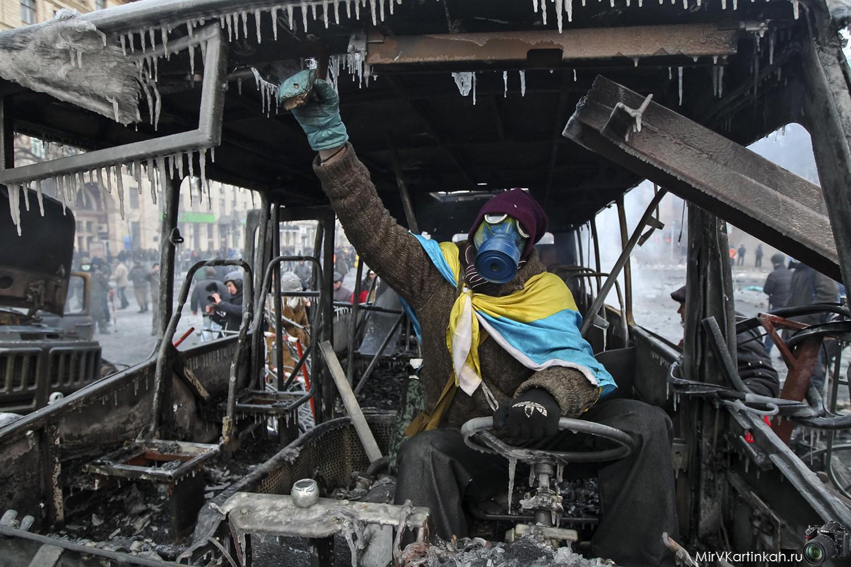 за рулем сгоревшего автобуса