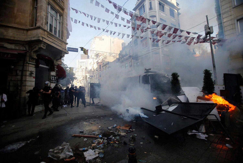 митинг на турецкой площади