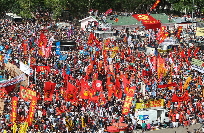 митинг на центральной площади Таксим