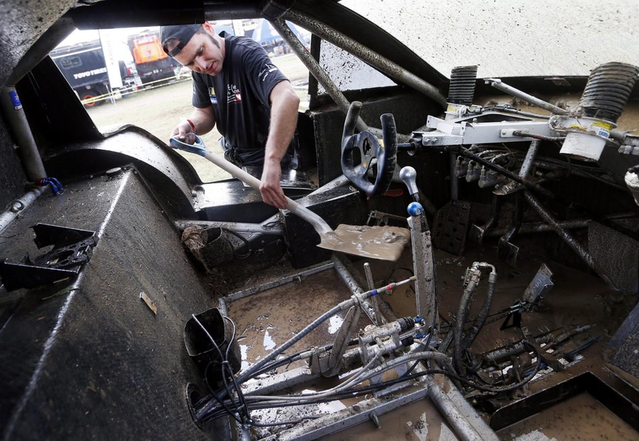 утонувшее авто, фото Дакар