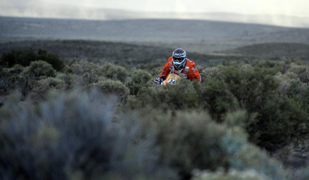 Жерар Фаррес Гуелль из Испании, фото с ралли Дакар