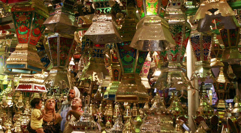 продажи фонаря в Рамадан, фото